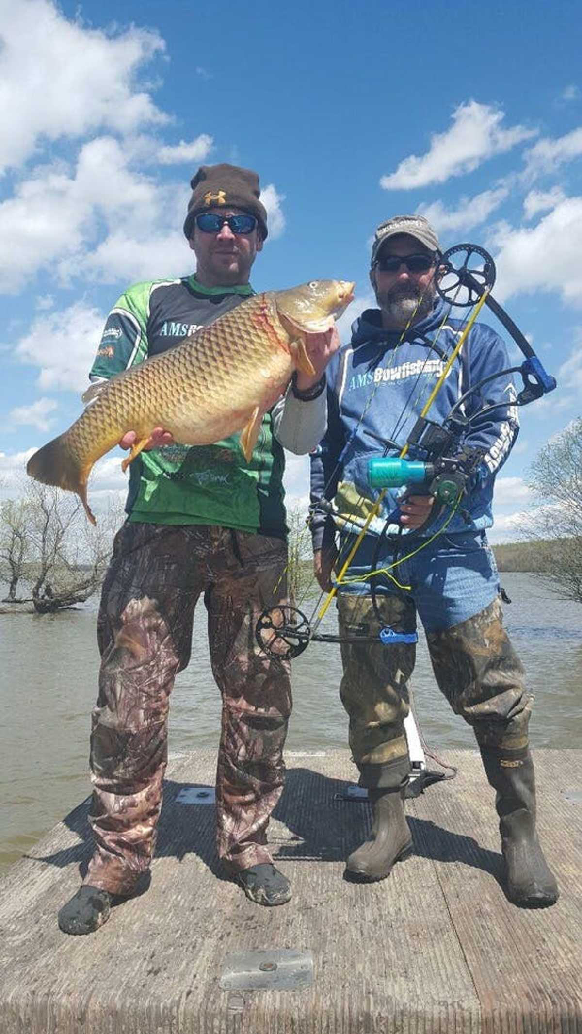 Damian Loveless and Dennis Redding Bowfishing for Carp